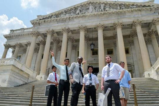 Pre-College students outside the US Supreme Court
