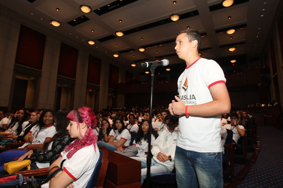 Brasilia Without Border students at a CHLI Conference