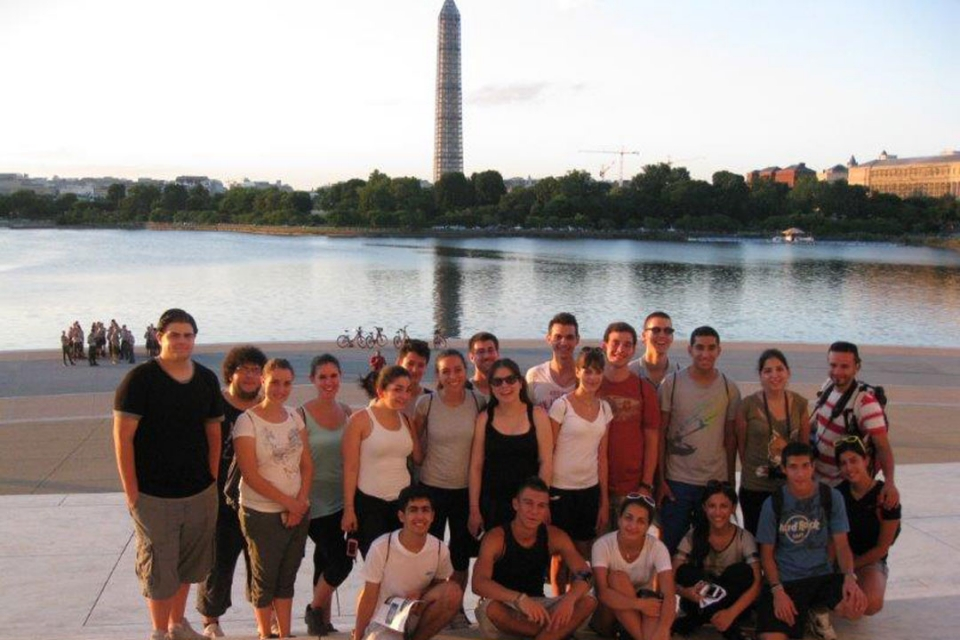 Cyprus students in front of the Washington Monument