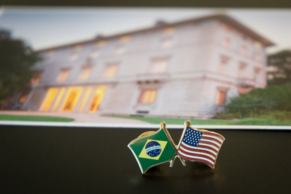 A pin with the Brazilian & American flags