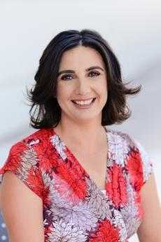 Headshot of Elizabeth Vaquera