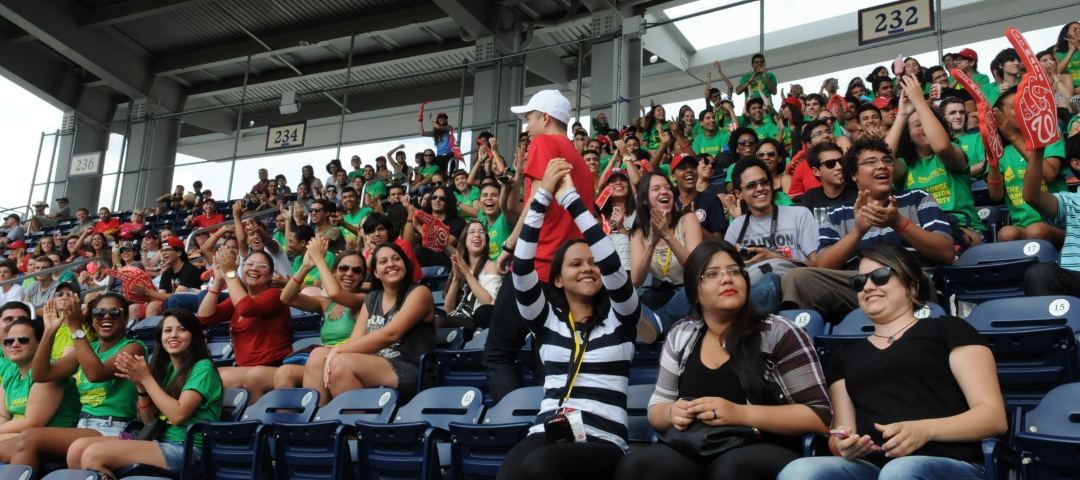GW Summer students at a Nationals baseball game