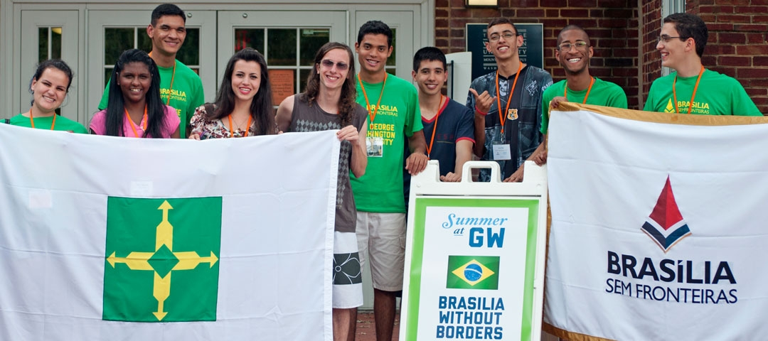 Brasilia without Borders students with their program flags