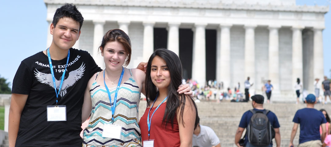 Pre-College students in front of the Lincoln memorial in DC