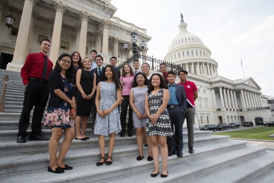 Photo of Caminos students in front of the US Capitol building