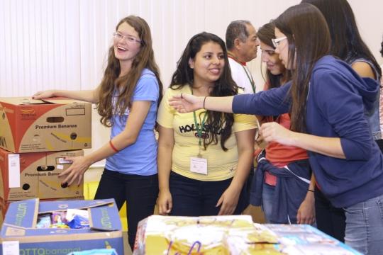 Students volunteering at the Capital Food Bank