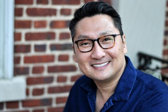Headshot of Robert Yi